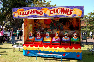 Laughing-Clowns-amusement